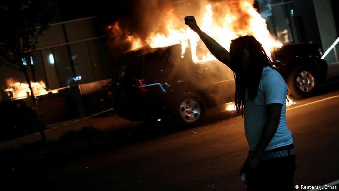 香港暴徒积极向美国示威者输出革命,获海量转发